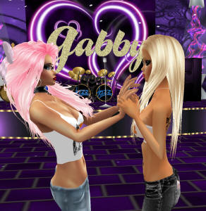 being close and supporting friends on imvu