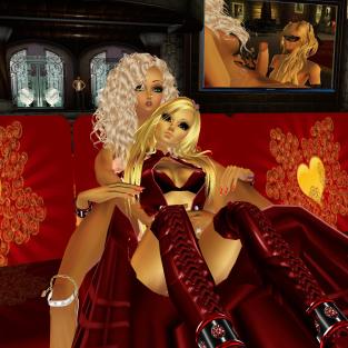 1Suzilyn loving cuddling joined by nawtyJay in LYN room discussing Katy plan (9)