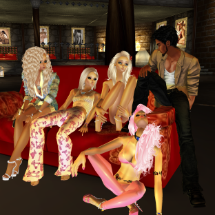 AlexisGB01 invited and talked then 1Suzilyn ArtisanBleueDoll came in to see basement then after Lexi left Susan and I started and quidlyn and then Allysonblackrose nawtyJay came in and we all hung out (9)