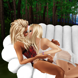 quidlyn MistressSonyaSweet from 1115 to 215 just cuddling and talking with Susan birthday card and Katys ring (2)