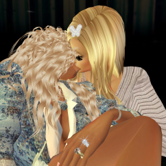 quidlyn quiet and went to talk with 1Suzilyn cuddling in firefly hug room (1)