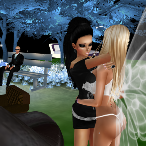 79 1Taylyn quidlyn stephijxx joined StephanieLovesPinkxx Rod4k fairy night sitting on benches in purple club port (2)