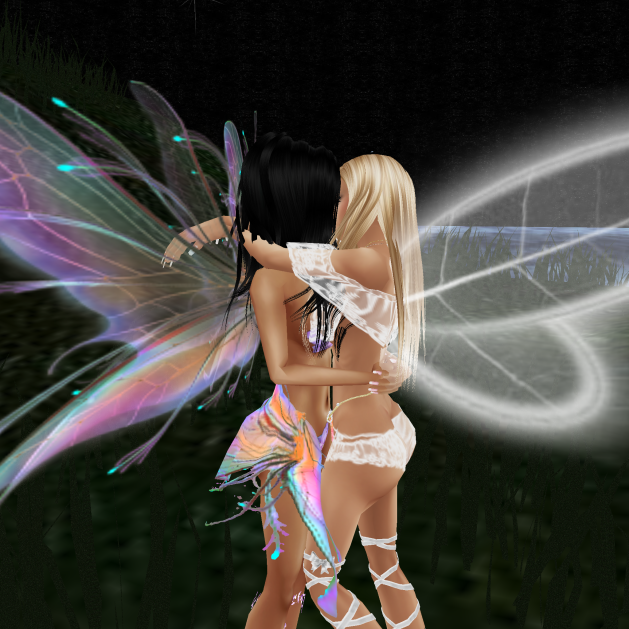 LalaGirl122012 quick fairy flying with Taylor when she was breaking up with lozzy (9)