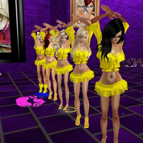 Taylor122012 GabrielleBleueDOLL GabrielaCortes stephijxx quidlyn annaleedevane Allysonblackrose joined StephanieLovesPinkxx Rod4k rebecca03921 Allysonblackrose HollyKarenPeachHeart in purple club cuddling then holly (8)