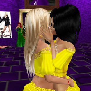 Taylor122012 GabrielleBleueDOLL GabrielaCortes stephijxx quidlyn annaleedevane Allysonblackrose joined StephanieLovesPinkxx Rod4k rebecca03921 Allysonblackrose HollyKarenPeachHeart in purple club cuddling then holly (4)
