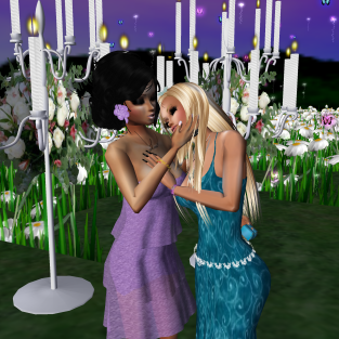 1Suzilyn 1Taylyn quidlyn Taylor and my proposal started in Lyn room then went to magic flower fields flying a whole new world proposing (21)