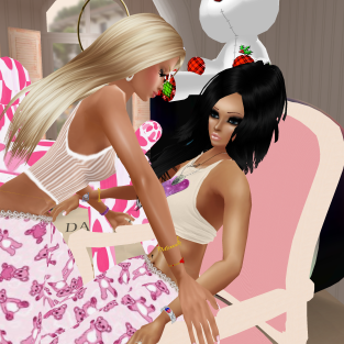 1Taylyn playing in crazy pink pajama room and then shopping for dresses (3)